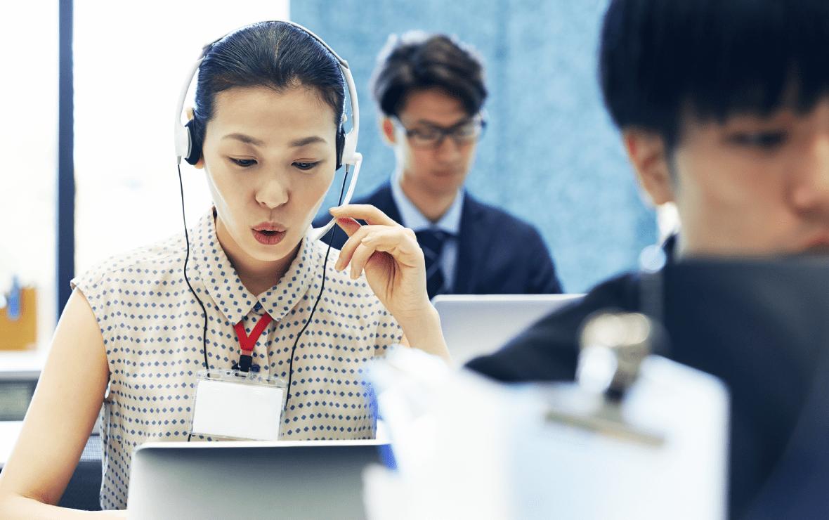 会話のリアルタイムテキスト化と分析により応対品質を向上